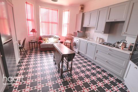 2 bedroom apartment for sale - Stow Hill, Newport