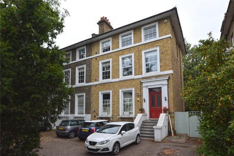 2 bedroom flat for sale - Shooters Hill Road, Blackheath, London, SE3