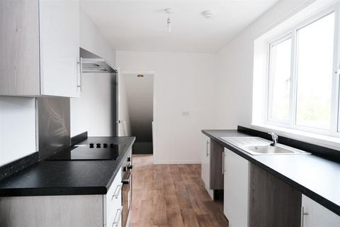 3 bedroom flat to rent - Vine Street, South Shields, Newcastle, NE33 4RF