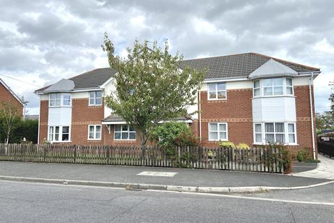 2 bedroom ground floor flat for sale - Kingsley Court Commonedge Road South Shore