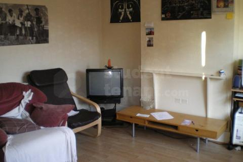4 bedroom house share to rent - Gaitskell Road