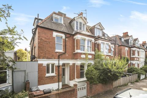 1 bedroom flat - Gordon Road, Chiswick