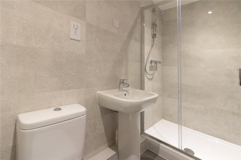 Apt 17   Bathroom