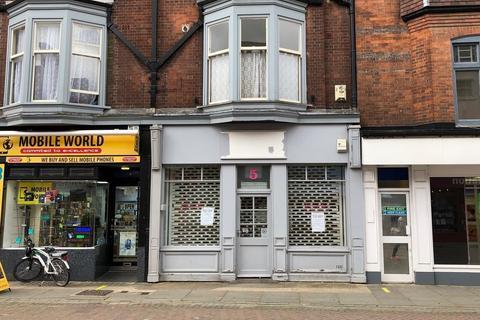Shop to rent - 5 Market Place, Melton Mowbray