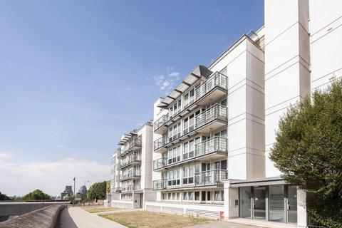 1 bedroom flat for sale - Phoenix Way, Wandsworth