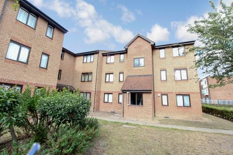 1 bedroom apartment to rent - Honey Close, Dagenham