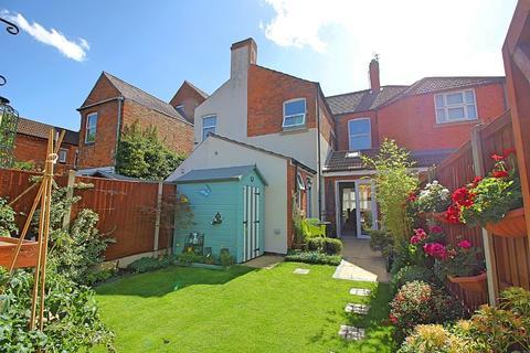 3 bedroom terraced house for sale - Lorraine Road, Aylestone, Leicester