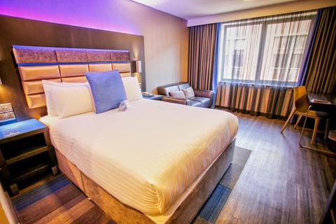 Serviced apartment to rent - RoomZzz Apartments