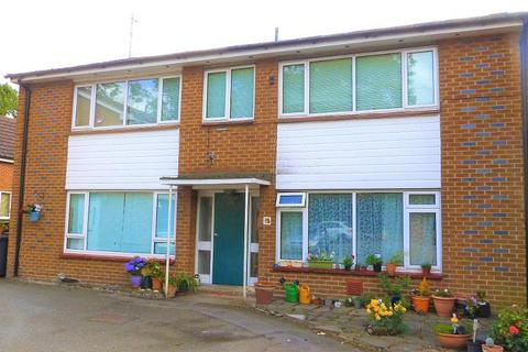 Studio for sale - Orchard Court, Longford, West Drayton, UB7 0ES