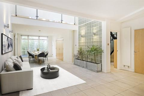 4 bedroom mews to rent - Lancaster Mews, London, W2