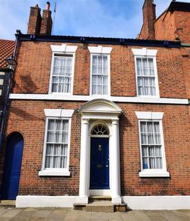 4 bedroom townhouse for sale - High Street, Bridlington, East Yorkshire, YO16