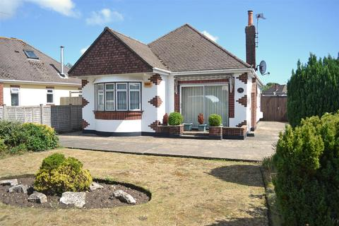 2 bedroom detached bungalow for sale - New Road, Northbourne, Bournemouth