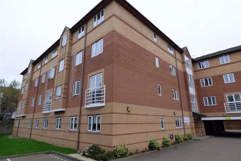 2 bedroom flat for sale - Close to Sea Front/Town