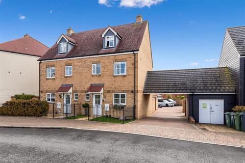 4 bedroom semi-detached house for sale - Herdwick Close, Kingsnorth, Ashford