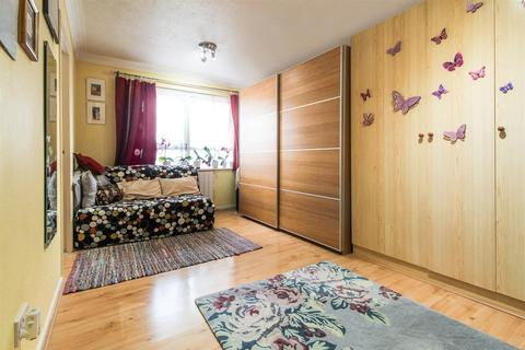 Studio for sale - Braemar Gardens, Slough