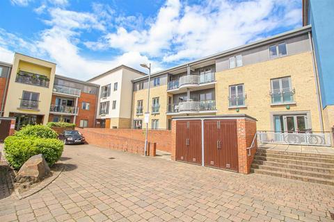 1 bedroom apartment for sale - Fairway Court, Fletcher Road, Gateshead