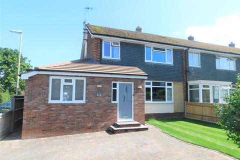 4 bedroom semi-detached house for sale - Heather Drive, Lindford GU35