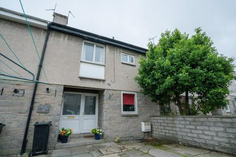 3 bedroom terraced house to rent - Blackthorn Crescent, , Aberdeen, AB16 5LU