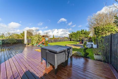 6 bedroom detached house for sale - Kingsmead Ave, Worcester Park, KT4