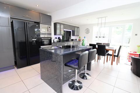 3 bedroom semi-detached house for sale - The Avenue, Penwortham