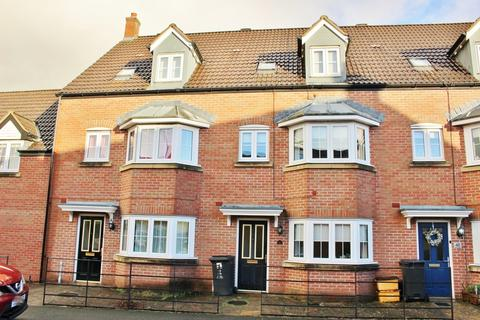 4 bedroom terraced house for sale - Cassini Drive, North Swindon