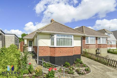 2 bedroom bungalow for sale - Dale Valley Road, Oakdale, Poole, BH15