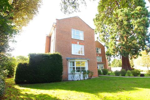 2 bedroom flat to rent - Phyllis Court Drive, Henley-On-Thames