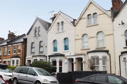 4 bedroom terraced house for sale - Parkhurst Road, Friern Barnet