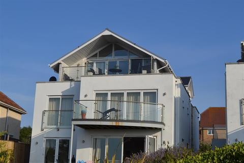 3 bedroom penthouse for sale - 104 Buxton Road, Weymouth