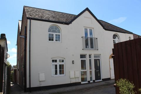 2 bedroom townhouse - Mansfield Road, Parkstone, Poole