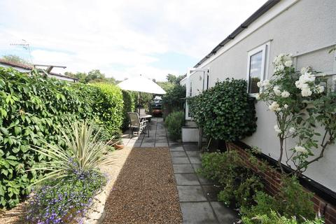 1 bedroom mobile home for sale - Three Arches Park, Three Arch Road, Redhill RH1