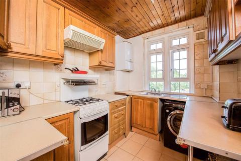3 bedroom apartment to rent - Hazelhurst Road, Tooting, SW17