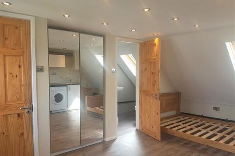 Studio to rent - Durants Road, En3