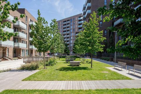 1 bedroom flat for sale - Apartment 75, Johanna Court, Oxbow, 1 New Village Avenue, London, E14