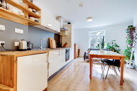 2 bedroom apartment for sale - Shore Road, London, E9
