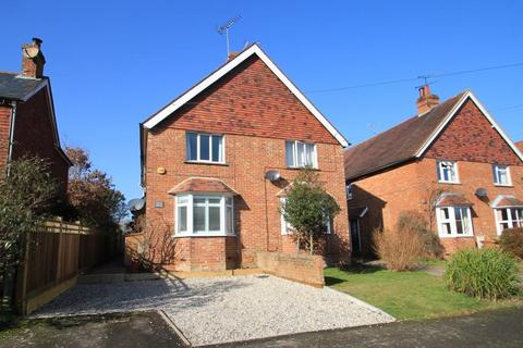 3 bedroom semi-detached house for sale - Dorothy Avenue, Cranbrook, Kent, TN17 3AN