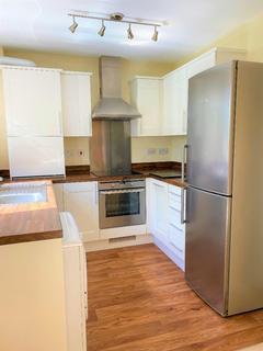 2 bedroom flat to rent - Cowleaze, Chippenham, SN15 3YN