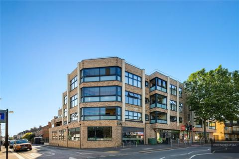 2 bedroom apartment for sale - Draymans Court, Chingford, London, E4