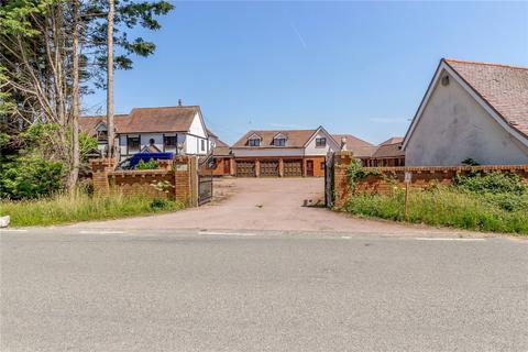 6 bedroom detached house for sale - Fingrith Hall Lane, Ingatestone, Essex, CM4