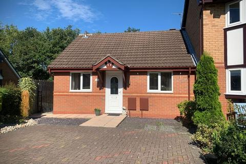2 bedroom semi-detached bungalow for sale - Ringwood Avenue, Gee Cross, Hyde, SK14