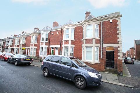 Studio to rent - Balmoral Terrace, Newcastle