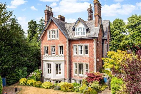 2 bedroom apartment to rent - Calverley Park Gardens, Tunbridge Wells TN1 2JP