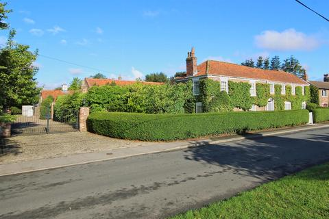 6 bedroom house for sale - Foston-On-The-Wolds, Driffield
