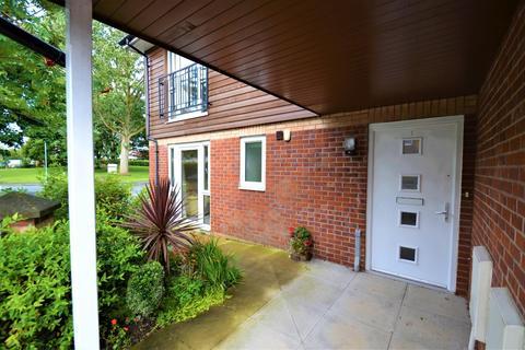 2 bedroom flat for sale - Beeston Road, Handforth, Wilmslow