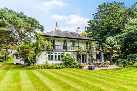 5 bedroom detached house for sale - New Road, Tadworth