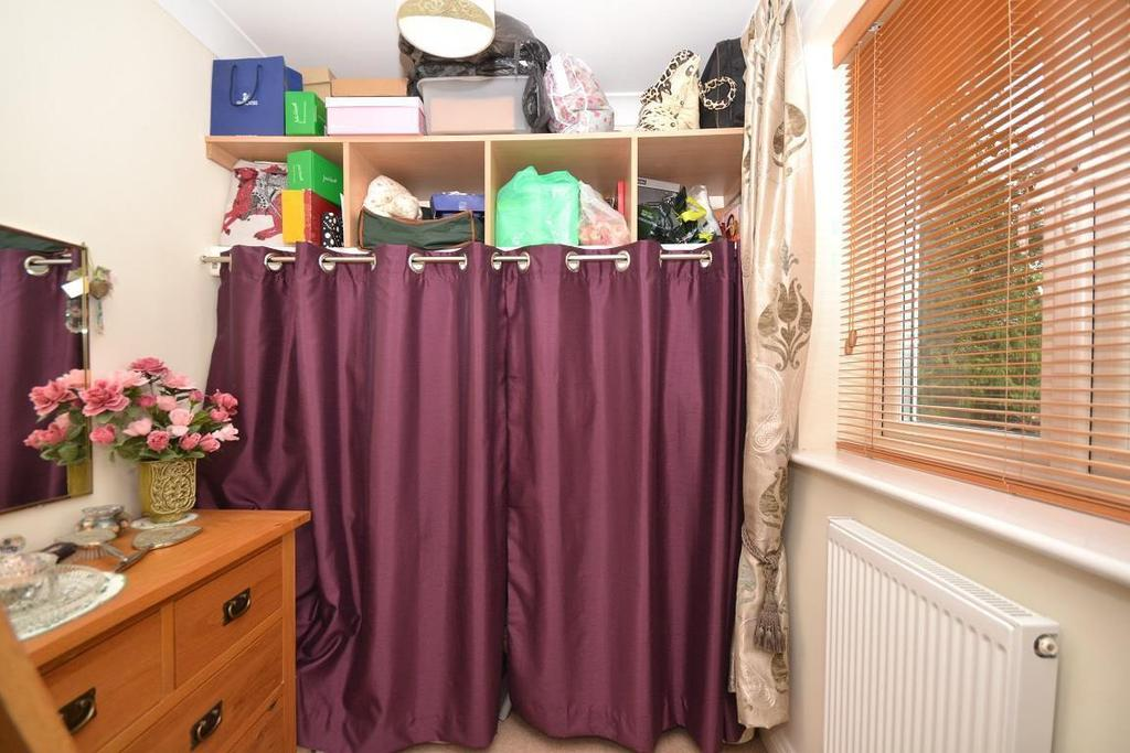 Bedroom 3/dressing r