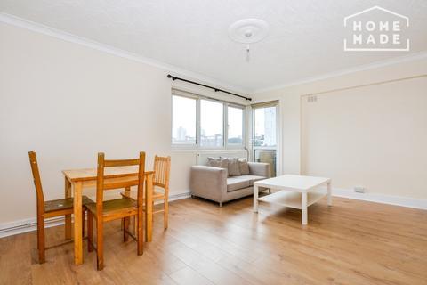 3 bedroom flat to rent - Sandham Court, Binfield Road, Little Portugal, SW4
