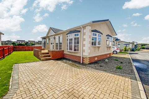 2 bedroom bungalow for sale - Seaview Park, Hartlepool, Durham, TS24 9SJ