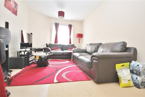2 bedroom apartment to rent - Wooldridge Close, Feltham, Middlesex, TW14