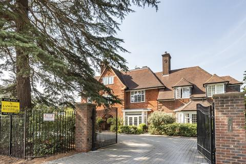 3 bedroom house for sale - Roxburgh Place Bromley BR1